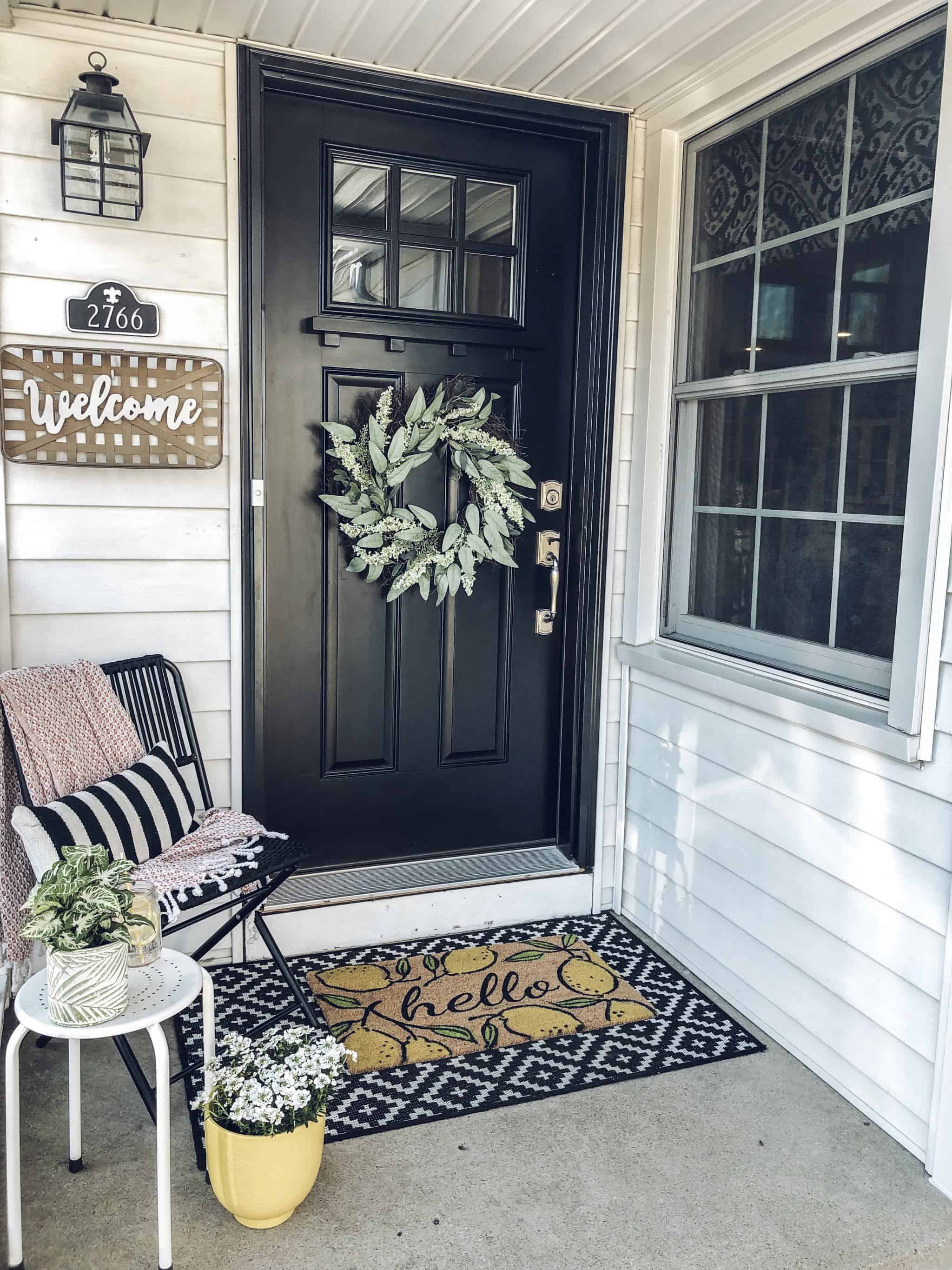 Small Front Porch Decor: 14 Budget Friendly Decorating Ideas